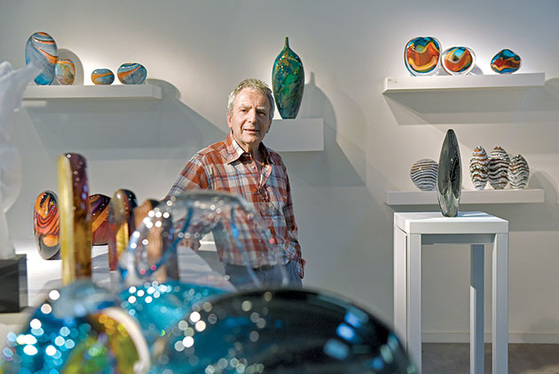 Peter-Layton-photo-by-Mary-Turner_LaytonGlassblowing_022
